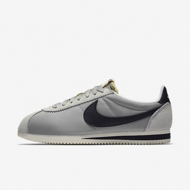 Nike zapatillas para hombre classic cortez nylon aw plata mate/vela/negro